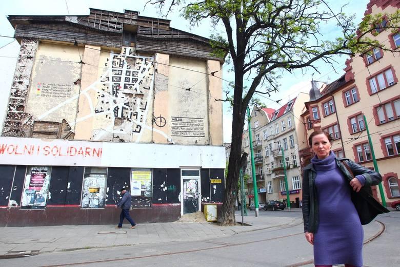 """Dorota Bonk-Hammermeister pracuje z plastykiem miejskim nad """"Wildą na glanc"""""""