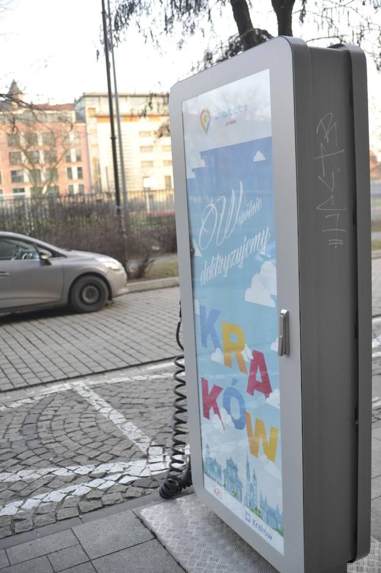 15.02.2019 krakow stacja ladowania prad pojazd elektryczny plac na groblach 3n/z:fot: adam wojnar/polska press/gazeta krakowska