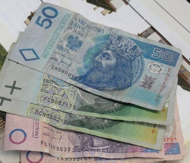 Przeciętne wynagrodzenie brutto w podkarpackich przedsiębiorstwach w grudniu ub.r. wyniosło 2884 zł