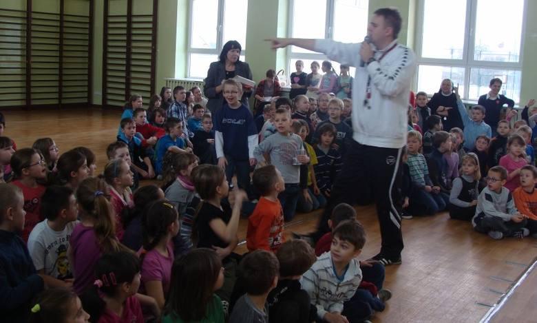Orkiestrowy sztab w Gorzowie Śląskim jak zwykle mieścił się w gimnazjum przy ul. Byczyńskiej. Szefową sztabu jest dyrektorka szkoły Elżbieta Stefan.