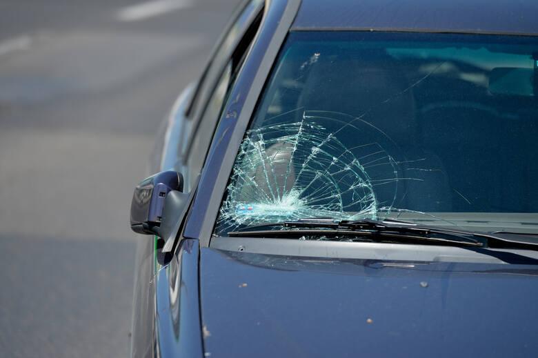 Wypadek w Przemyślu. Na Placu Świętego Floriana kierujący volvo potrącił na przejściu pieszego [ZDJĘCIA]