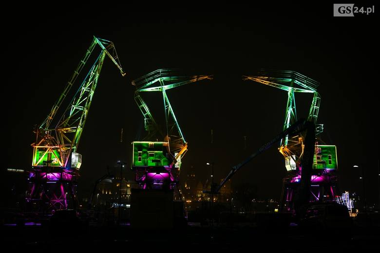 Świąteczne iluminacje w Szczecinie. Dźwigozaury nie tylko zaświecą, ale i zagrają! [ZDJĘCIA]