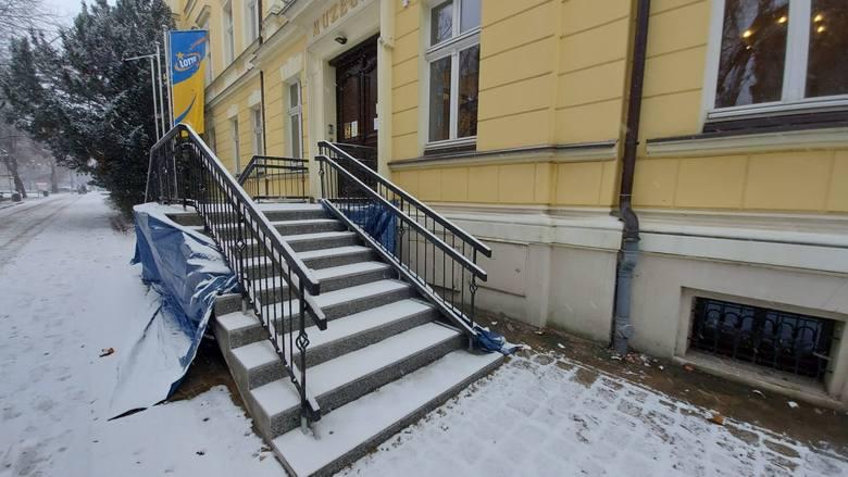 Nowe schody od strony deptaka wieńczą modernizację i rozbudową Muzeum Ziemi Lubuskiej w Zielonej Górze