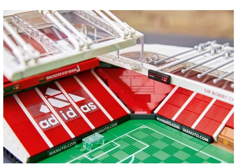 Old Trafford z LEGO? Teraz można samemu zbudować stadion Manchesteru United (Zdjęcia)