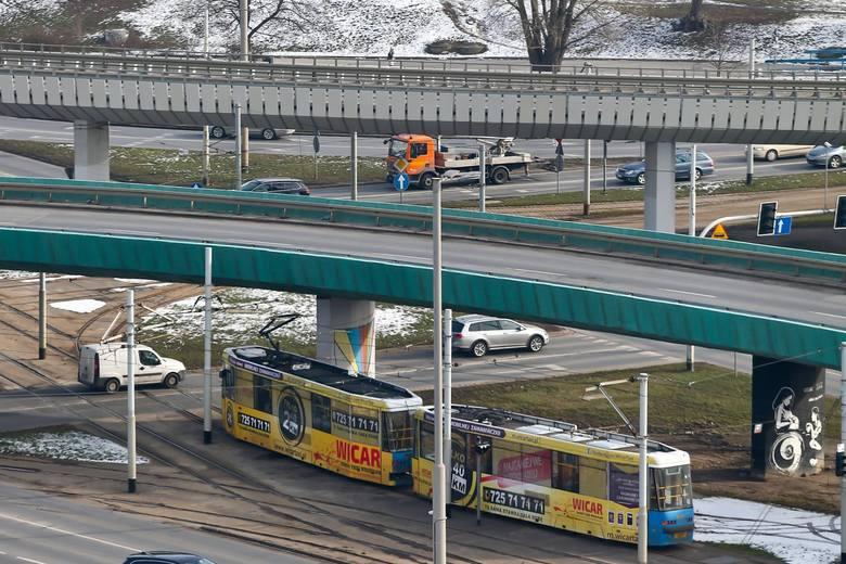 Linie C i 128 z Popowic w kierunku pl. Grunwaldzkiego lub Psiego Pola będą jechały objazdem od ul. Popowickiej przez Starograniczną, Gnieźnieńską, Ścinawską