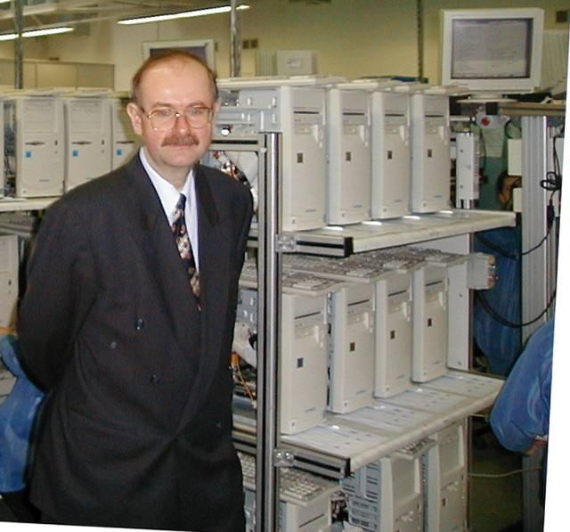 Roman Kluska. Biznesmen, filantrop, twórca potęgi Optimusa i współtwórca Onetu. Urodził się w Brzesku, tu też chodził do liceum. Optimusa założył w 1988