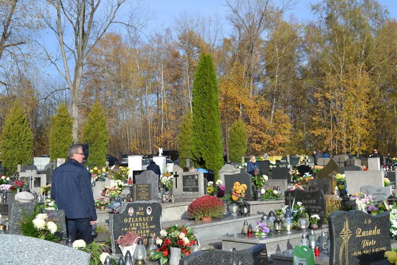Dąbrowa Górnicza: Wszystkich Świętych na cmentarzu w Łośniu ZDJĘCIA
