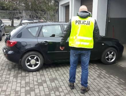 Policja odzyskała skradzioną mazdę