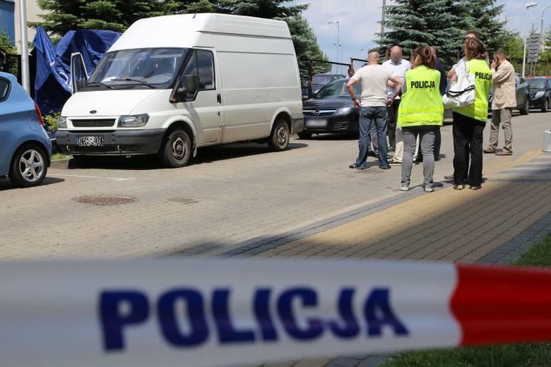 Aleja Tysiąclecia Państwa Polskiego. Zabójstwo i samobójstwo w busie (zdjęcia, wideo)