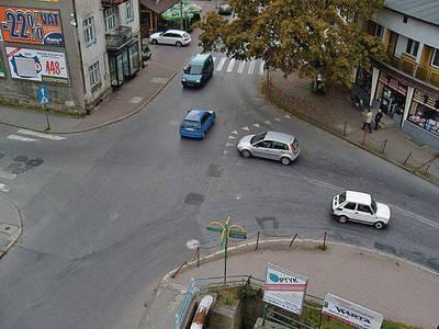 Skrzyżowanie w Śródmieściu jeszcze w dotychczasowym kształcie. Projekt zakłada, że rondo, które je zastąpi będzie miało kształt przypominający gruszkę