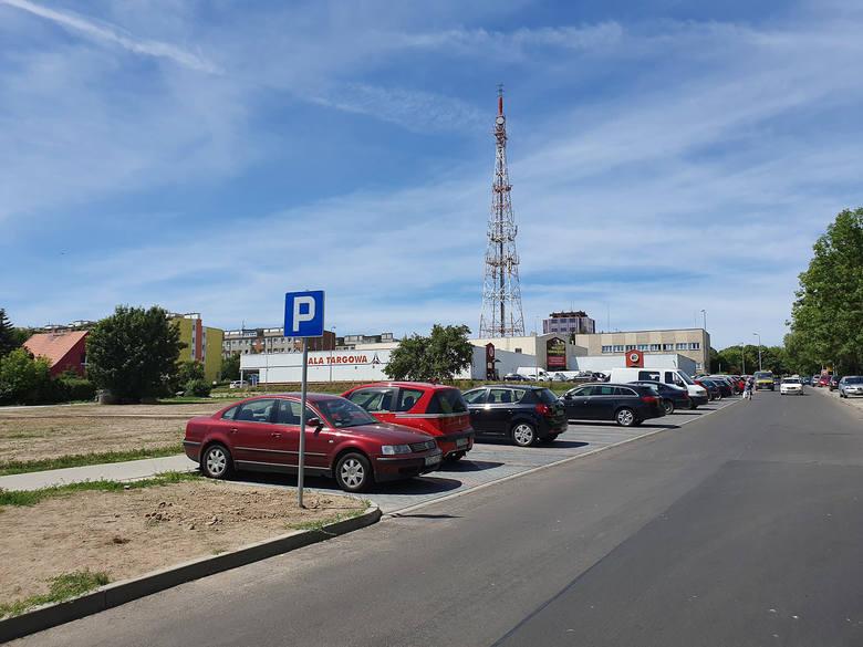2,4 miliona złotych kosztowała modernizacja 430 metrów ulicy Władysława IV w Słupsku.W poniedziałek Krystyna Danilecka-Wojewódzka, prezydent Słupska