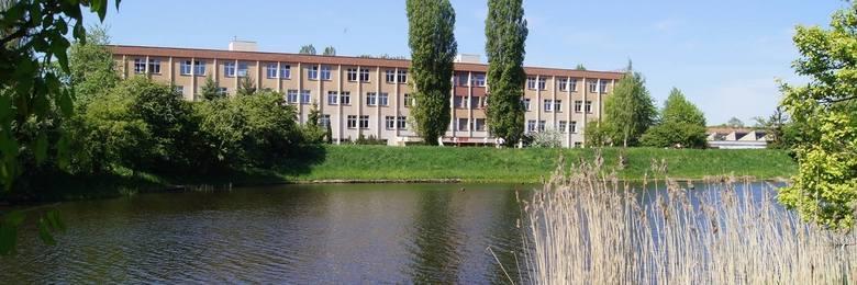 Technikum nr 12 Gdańsk znalazło się na 10. miejscu w TOP 10 najlepszych techników w Gdańsku. Placówka ta uzyskała 39.105 pkt na 100 możliwych.