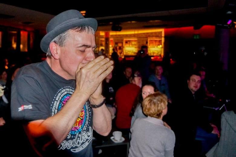 Leszek Paech to znakomity harmonijkarz, jeden z trzech filarów Fingerstyle Bob & The Blues Society. Zespół dał koncert inaugurując XXX festiwal