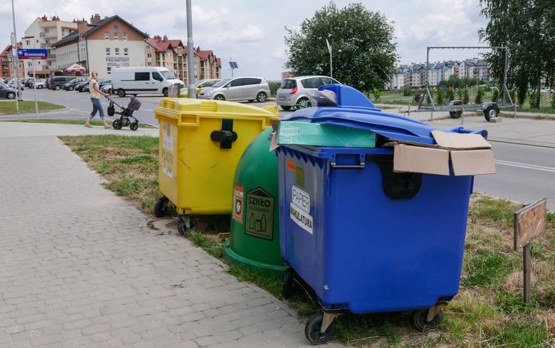 Obowiązują nowe przepisy dotyczące segregacji odpadów. Musimy wrzucać je do pięciu pojemników