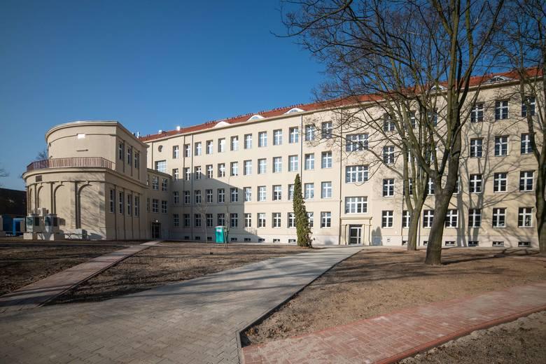 Jeden z zabytkowych budynków koszarowych na terenie 14. WOG został wyremontowany przed przybyciem wojsk USA