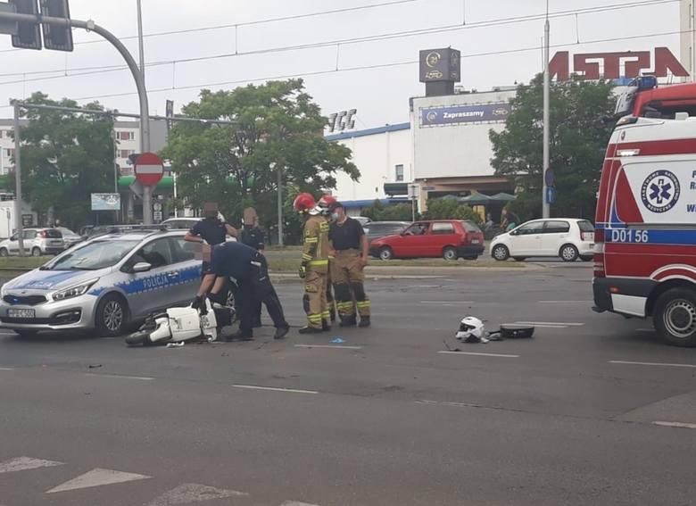 """Wrocław: Policjanci potrącili go na Legnickiej. """"Sygnały włączyli na skrzyżowaniu"""""""