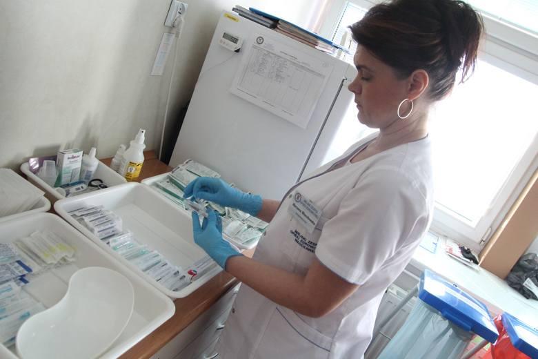 Programy zdrowotne dają możliwość bezpłatnego wykonania szczepień i badań. Z jakich już można skorzystać we Włocławku, a z jakich będzie można?