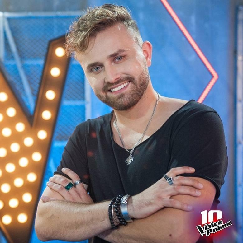 """Tadeusz Seibert w """"The Voice of Poland"""" z kolejnymi występami udowadnia widzom, że potrafi odnaleźć się w każdym repertuarze."""
