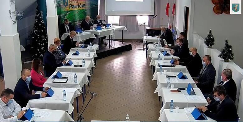 W sierpniu ubiegłego roku Rada Gminy Pawłów jednomyślnie stwierdziła wygaśnięcie mandatu Andrzeja Dziekana, radnego gminy Pawłów już w drugiej kaden
