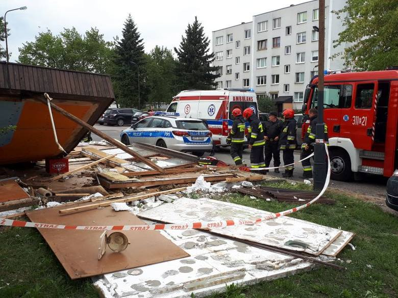 Do jednego z łódzkich szpitali został przewieziony 31-letni mężczyzna, który w poniedziałek (12 sierpnia) rozbierał drewniany sklepik przy ul. Falistej