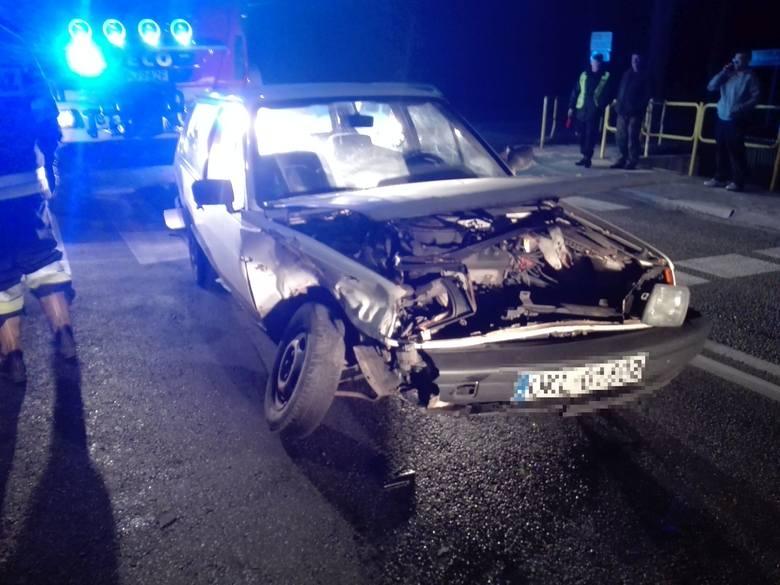 Około godz. 19.00 w Biskupicach (powiat kluczborski) kierowca volkswagena polo wymusił pierwszeństwo i zderzył się z samochodem BMW. W wypadku zostali