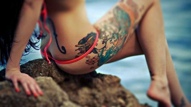 Wytatuowane Dziewczyny Czy Dziewczynom Pasują Tatuaże
