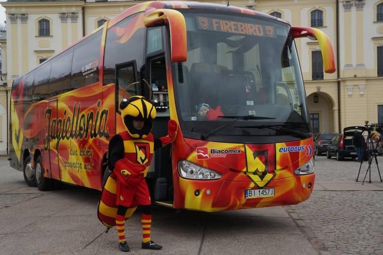 Pałac Branickich. Jagiellonia ma nowy autokar (zdjęcia, wideo)