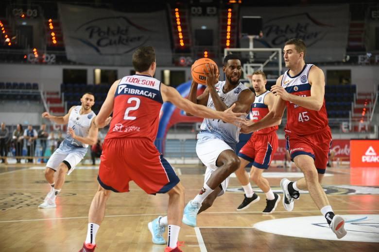 Polski Cukier Toruń przegrał u siebie 102:121 z BAXI Manresa w ósmej kolejce Basketball Champions League. To siódma przegrana Twardych Pierników w tych