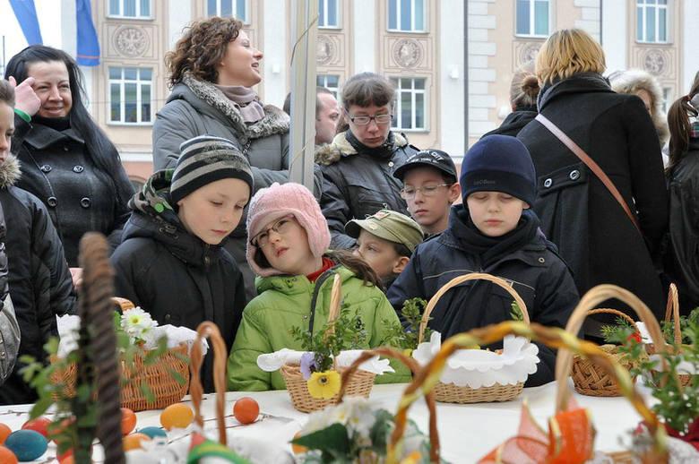 Mimo nienajlepszej pogody, w uroczystości uczestniczyło dużo dzieci.