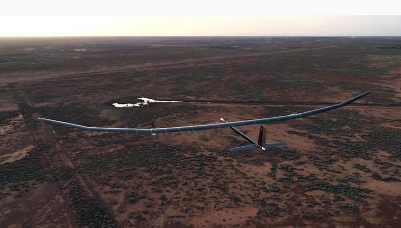 PHASA-35: Bezzałogowy samolot zasilany energią słoneczno-eklektryczną zaliczył pierwszy lot. Może latać bez przerwy przez rok [WIDEO]