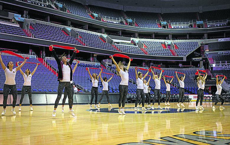 Wrocławskie cheerleaderki oczarowały Gortata i NBA