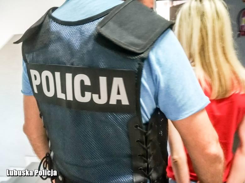 Gorzowscy policjanci zabezpieczyli ponad 2 kg marihuany, amfetaminę i LSD. Zatrzymano dwie osoby.  Funkcjonariusze z wydziału do walki z przestępczością