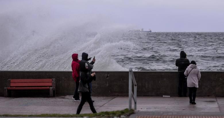 Uwaga na sztorm w weekend! Wiatr w porywach nawet 9 stopni w skali B!