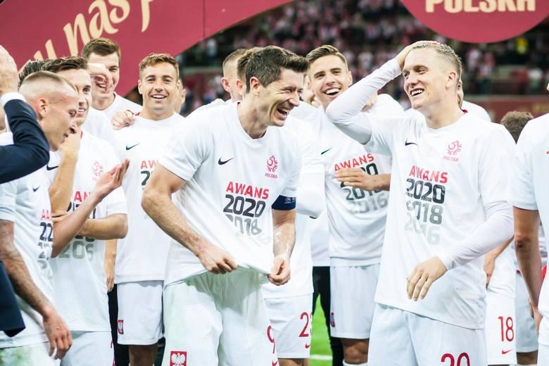 Październik to kolejne mecze eliminacji mistrzostw Europy, coraz bardziej pędzące rozgrywki ligowe, a także Liga Mistrzów. A jaki był to miesiąc dla