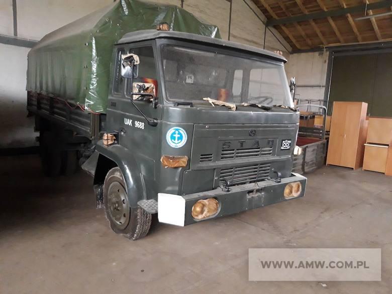 Samochód ciężarowy STAR 200Ilość:1NR fabryczny:75661Rok produkcji:1990Cena:3000