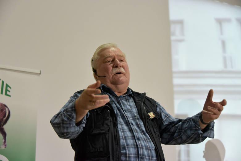 Wszechpolacy zakłócili spotkanie z Lechem Wałęsą. Policja chce dla nich kary