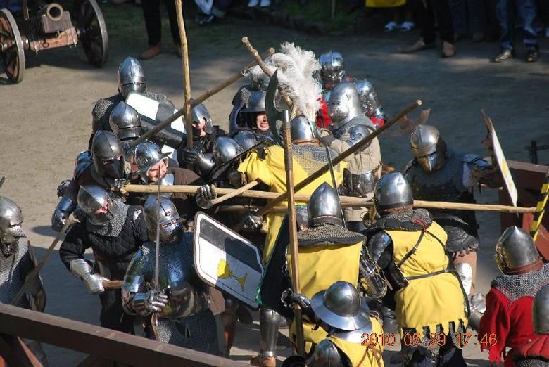 Oblężenie zamku w Międzyrzeczu (29.05.2010)
