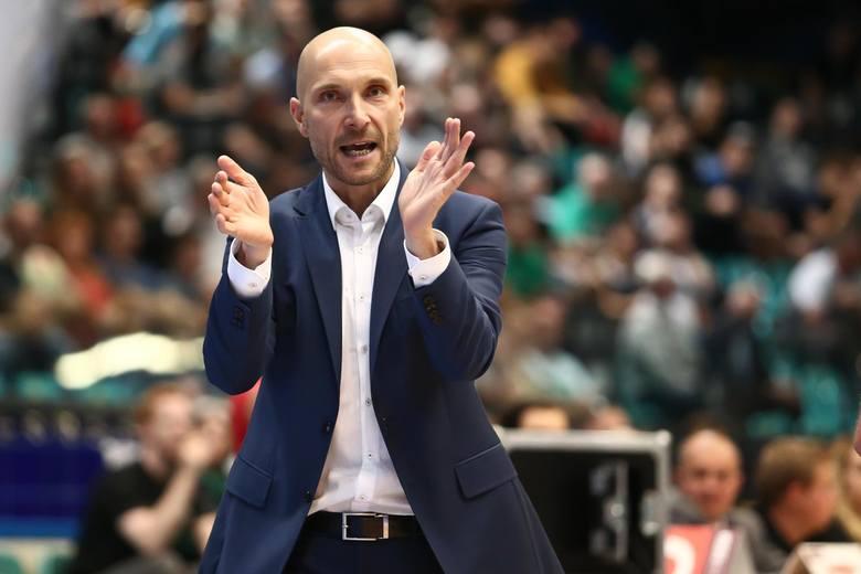 Trener Andrzej Adamek prowadził WKS Śląsk Wrocław w ośmiu meczach. Po porażce z GTK Gliwice (81:84) został odsunięty od obowiązków. Analizujemy dlaczego