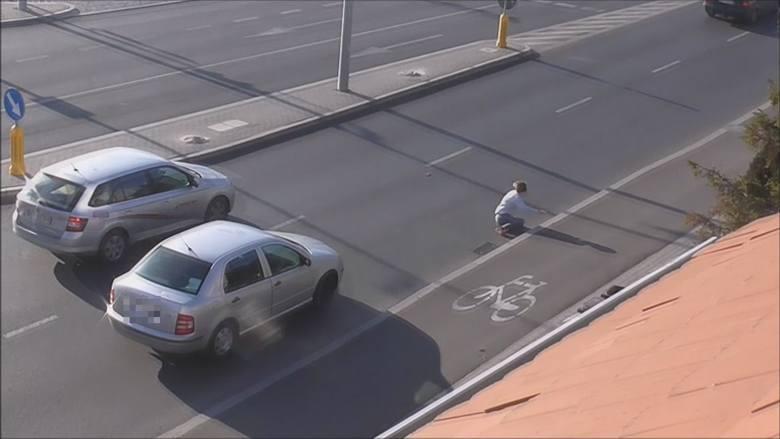 Ruszył z kobietą na masce auta, a potem ją zrzucił na jezdnię. Sceny jak z filmu akcji rozegrały się na ul. Niemodlińskiej w Opolu