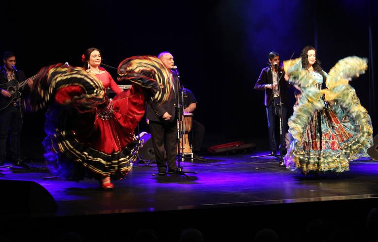 Na scenie grudziądzkiego teatru wystąpił Don Vasyl z zespołem cygańskich gwiazd.