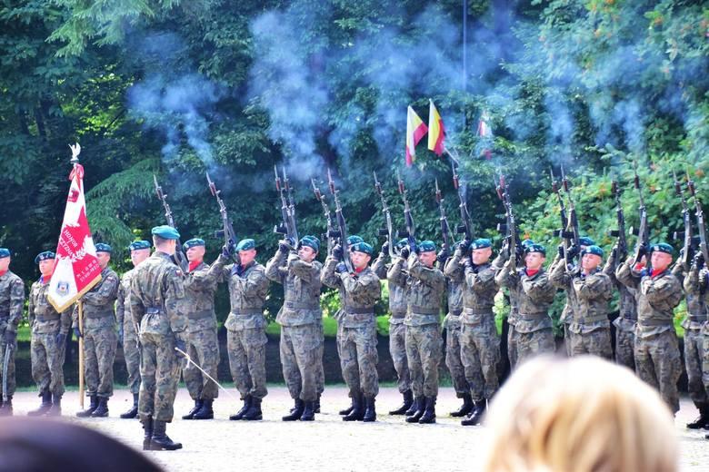 W niedzielę, 9 lipca obchodziliśmy święto 42. Pułku Piechoty im. gen. Dąbrowskiego. W okresie międzywojennym pułk stacjonował tymczasowo (do 1922) w