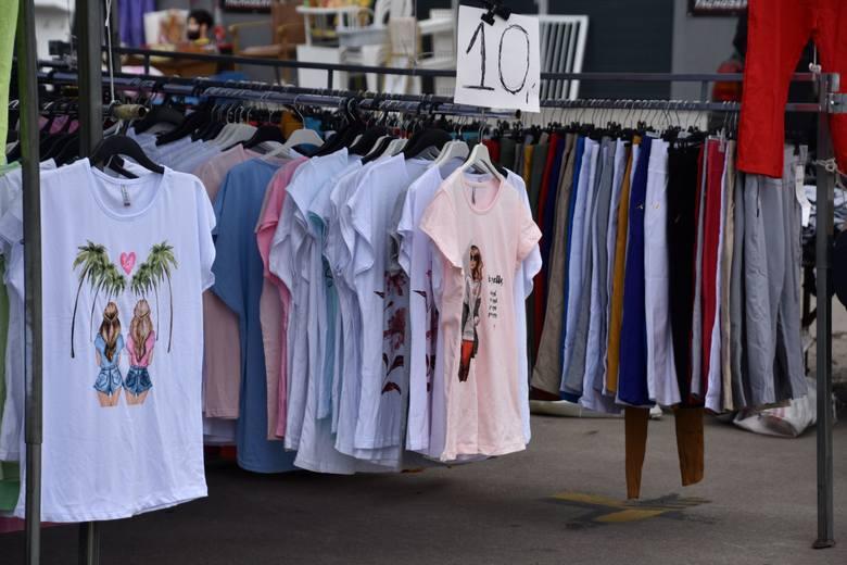 Jak niedziela, to wszyscy na giełdę! Czym kusi popularne zielonogórskie targowisko 7 czerwca 2020? Nie tylko butami i odzieżą