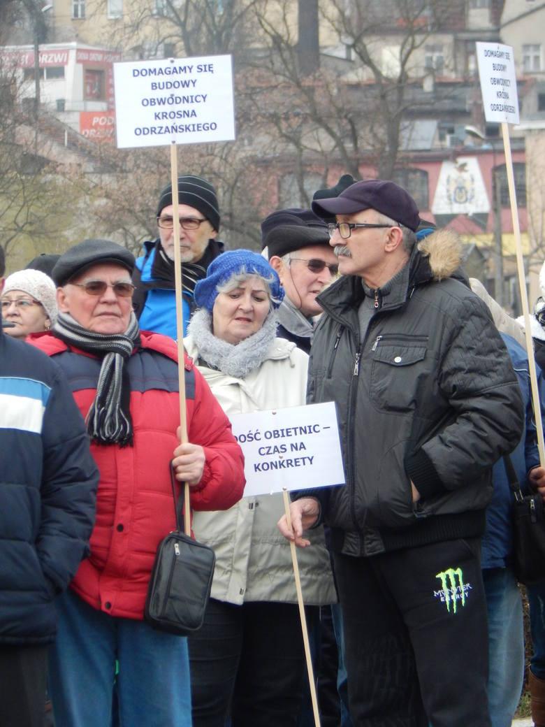 Protesty, które odbyły się w lutym dały niewiele. Teraz połączone komitety szykują coś dużego.
