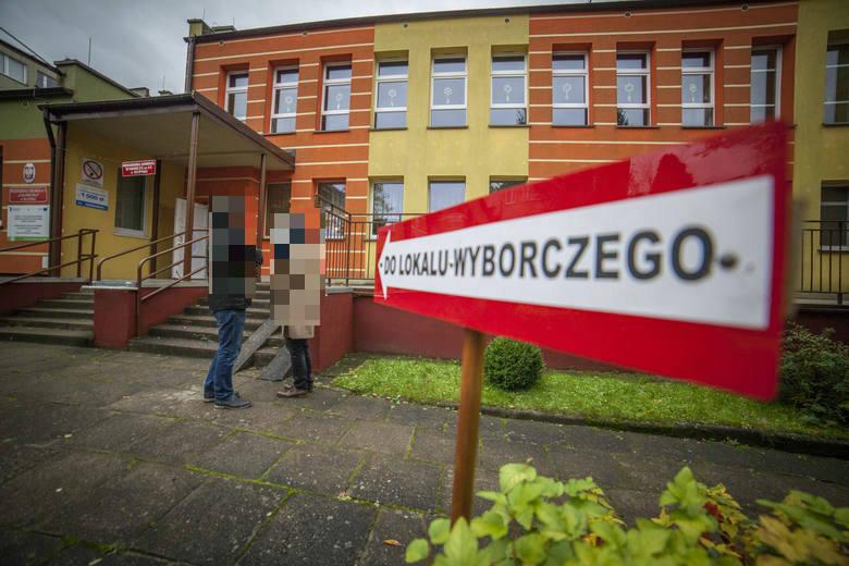 Nielegalne banery wyborcze w Słupsku. Podsumowano akcję