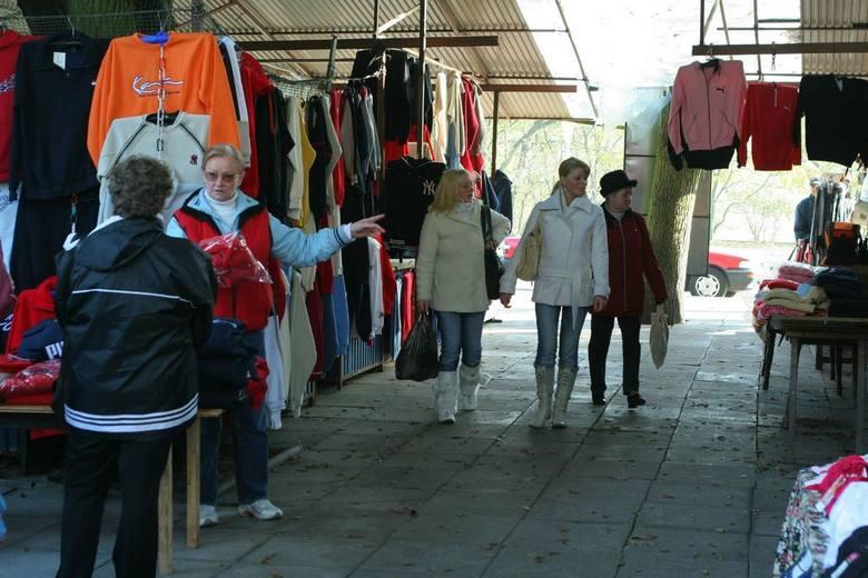 Handlowcy z miejskiego targowiska się cieszą, bo mogą skorzystać, a nie stracić - jak dotąd sądzono - na przedłużeniu do Świnoujścia niemieckiej kolei.