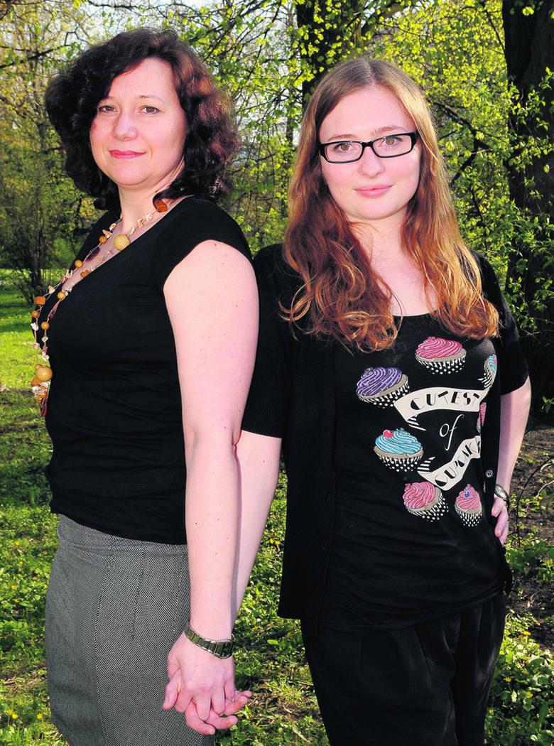 Monika Napieralska-Grzegorczyk z córką Karoliną (Łódź).  Mama jest handlowcem w zagranicznej firmie, a Karolina studentką I roku biotechnologii i nauk o żywności Politechniki Łódzkiej.