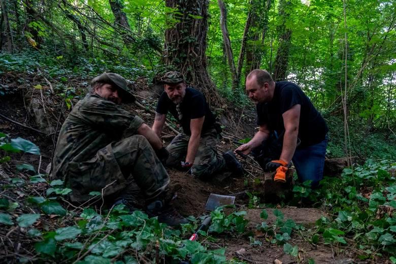 Kolejne odkrycia w dawnym parku Tilebeinów. Odkryto grobowiec właściciela i płytę z sarkofagu