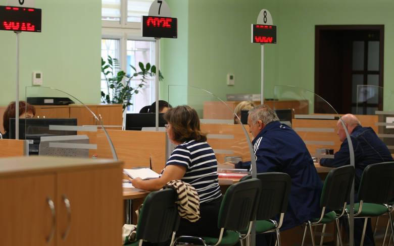 Oto trzy najwyższe emerytury na terenie obsługiwanym przez bydgoski oddział ZUS:* 25 349 zł brutto - to emerytura kobiety, która przeszła na emeryturę