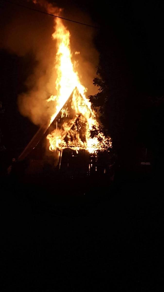 Płonie kościół w Orłowie