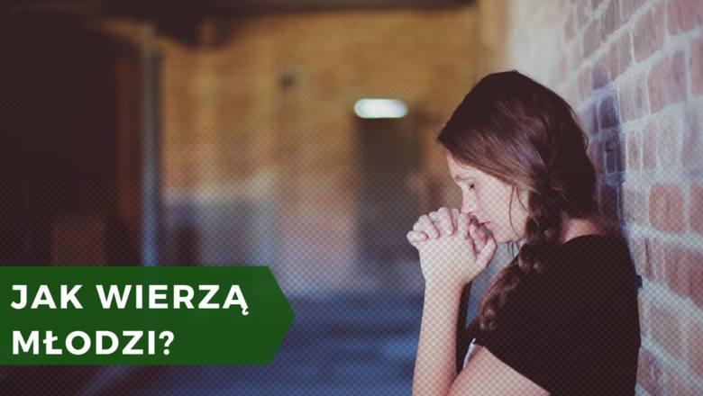 Najniższy odsetek osób wierzących i głęboko wierzących odnotowano w grupach wiekowych 25-34 oraz 16-24 lata. Wciąż jednak odsetek ten wynosi 74-75% badanych.